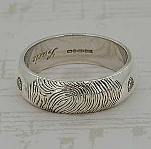 Gents Hand Engraved Fingerprint Ring, White Gold